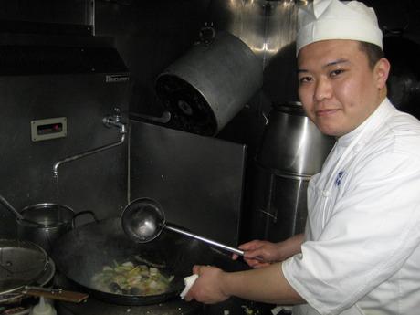 経験者大歓迎!横浜東口直結の地下街で、一緒においしい料理を作りましょう。